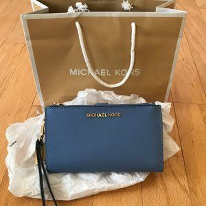 NEW | Michael Kors Jet Set Large Leather Wristlet